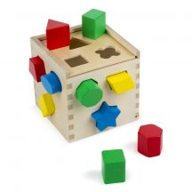 Melissa & Doug Fa készségfejlestő játék, formarendező kocka